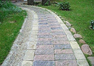 Ландшафтный дизайн дорожки из искусственного камня