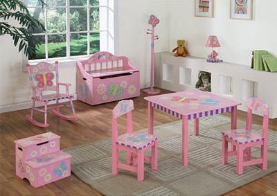 Детская комната своими руками: http://santeh-jurnal.ru/remont-v-detskoj-komnate/detskaya-komnata-svoimi-rukami.html